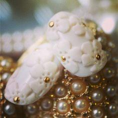 BLC nail salon ケミカルレース♡ #nail#gel #gelnail#design #AKZENTZ#BLC#flower#ネイル#デザイン#おとな可愛い#3D#ホワイト#ケミカルレース#花#立体