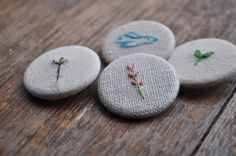 a use for buttons? glue 2 together & hang as an ornament? Hand Embroidery Art, Cross Stitch Embroidery, Embroidery Patterns, How To Make Buttons, Fabric Jewelry, Sewing Crafts, Needlework, Creations, Textiles
