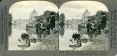 depthandtime –  Stereo Photographer and Children Near Castle Josselin, France =view –    https://www.flickr.com/photos/depthandtime/5077087166/sizes/l