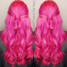 Rosa Haare 2019 - from - Strawberry Bubblegum Bright Pink Hair, Hot Pink Hair, Hair Color Pink, Cool Hair Color, Pink Yellow, Pink Haircut, Haircut And Color, Pelo Multicolor, Different Hair Colors