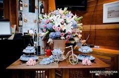 Resultado de imagem para decoraçao casamento com rosas lisianthus e hortencias