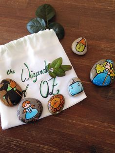 Story stones The Wizard of OZ / Handpainted natural by Mammabook