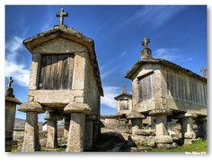 SOAJO (Arcos de Valdevez / Portugal): Espigueiros do Soajo - Soajo corncribs