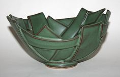 My favorite glaze - Rietz (green). Hand Built Pottery, Slab Pottery, Pottery Bowls, Ceramic Pottery, Pottery Art, Thrown Pottery, Pottery Wheel, Ceramic Pots, Ceramic Clay