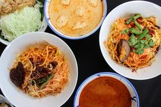 A Wok Around Asia Penang Food GuideIt can be tough trying to navigate the food scene in Malaysia - Wok, Places To Eat, Japchae, The Locals, Thai Red Curry, Singapore, Destinations, Asia, Scene