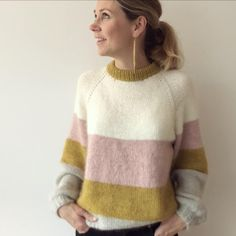 Winter Sweaters, Sweater Weather, Sweaters For Women, Knitting Daily, Hand Knitting, Knitting Designs, Knitting Patterns Free, Big Wool, Romper Suit