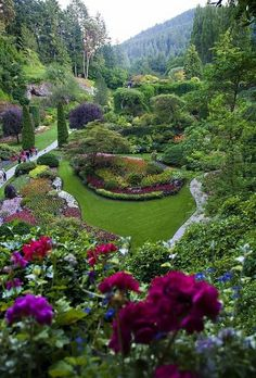 Sunken Garden, Butchart Gardens, Victoria, British Columbia, Canada...