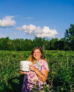 Looking for things to do when you come Traverse City, Michigan this summer? It's fruit country, so consider a day of blueberry picking! If you come to Northern Michigan in the late summer, U-Pick blueberry farms are all around. Homemade blueberry jams, muffins and berries by the handful while at the beach are in your foreseeable future. #TraverseCity #BlueberryPicking #AFullLiving #PureMichigan Blueberry Picking, Blueberry Farm, Foreseeable Future, Traverse City, Northern Michigan, Wine And Beer, Activities To Do, Late Summer, Beautiful Beaches