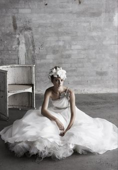 I love this bridal picture  bridal gown + headpiece. #wedding