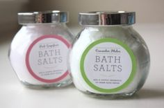 Easy Christmas Craft | Homemade Bath Salts with DIY Labels