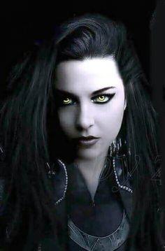 Goth Beauty, Dark Beauty, Heavy Metal Girl, Amy Lee Evanescence, Pat Benatar, Hot Goth Girls, Women Of Rock, Vampire Girls, Goth Women