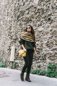 Maje_x_Minnetonka-Suede_Boots-Khaki_Outfit-Vintage_Scarf-Tita_Madrid_Bag-Yellow_Bag-Outfit-Paris-Street_style-Collage_Vintage-25 зеленый милитари