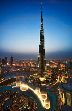 Burj Khalifa, Dubai - Will be there in a little bit more than a month!!! :) SO stroked