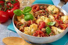 Pikante Hackfleischpfanne mit Blumenkohl und Tomaten