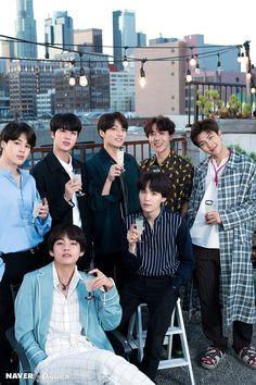 This is a Community where everyone can express their love for the Kpop group BTS Namjoon, Jhope, Seokjin, Bts Taehyung, Suga Rap, Bts Bangtan Boy, Bts 2018, Billboard Music Awards, Foto Bts
