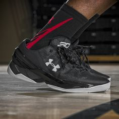 The on-court dominance by Stephen Curryis the result of hard work. Get shoes that support the extra hours.