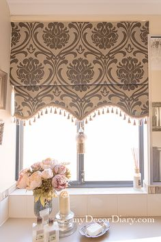 How to make a glamorous Roman shade Home Curtains, Curtains Living Room, Diy Curtains, Diy Window Treatments, Window Decor, Diy Window Shades, Window Treatments Living Room, Curtain Decor, Diy Window