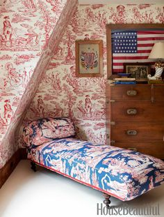 Toile and framed flag. Interior design by John Knott and John Fondas featured in April 2013 House Beautiful magazine Patriotic Room, Patriotic Party, Master Bedroom, Bedroom Decor, Design Bedroom, Attic Design, Blue Rooms, Patriotic Decorations, Of Wallpaper