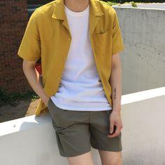 #EstiloHomem #StyleMan Style Outfits, Short Outfits, Cool Outfits, Casual Outfits, Retro Outfits, Fashion Outfits, Plad Outfits, Fashion Styles, Summer Outfits Men