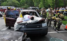 So important: Mock DUI crash in Shelton Connecticut shows horror of drunken driving to teens