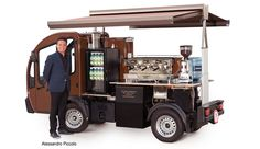 You won't believe until you check this out 👩‍🔧 Coffee lovers around the world transform truck, pedicab into a unique mobile cafe to serve their neighbourhood. Mobile Coffee Cart, Mobile Coffee Shop, Mobile Shop, Mobile Bar, Mobile Kiosk, Mini Camper, Coffee Food Truck, Bike Food, Coffee Van