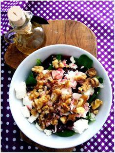 Rote Beete-Feta-Salat mit Nüssen