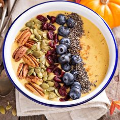 Could your smoothie be standing in the way of your fitness goals? Here are 7 ways your smoothie or smoothie bowl could be sabotaging your diet and simple things you can do to prevent that.