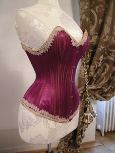 These fabulous images are from a happy client who ordered a wasp waisted Celia mannequin to display her stunning antique corsets and gowns. Vintage Corset, Victorian Corset, Steampunk Corset, Lace Corset, Sexy Corset, Corsets, Corset Costumes, Old Hollywood Style, Civil War Dress