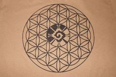 T-Shirt - Hunab Ku Flower of Life >> by lightsounddimension on #Etsy