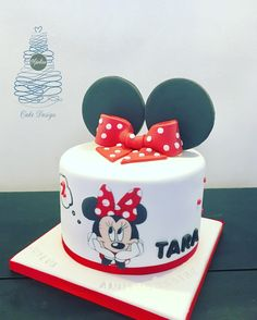 Torta Minnie Mouse, Mickey Minnie Mouse, Super Torte, Girl Cakes, Cake Decorating, Disney, Girls, Desserts, Ideas
