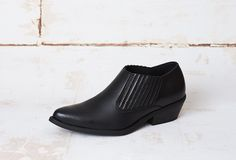 """BLACKLow Cut Cowboy boots with elastic on both sides Microfiber upper and liningElastomere soleWooden 5 cm heelSame shape as Duke, ELLA is a """"pointed"""". Vegan Fashion, Slow Fashion, Ella Vegan, Vegan Shoes, Black Faux Leather, A Good Man, Fashion Brand, Leather Shoes, Chelsea Boots"""