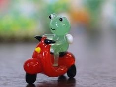 """oh to be a glass frog riding a glass motorcycle"" Glass Frog, Cute Frogs, Funny Frogs, Frog And Toad, Amphibians, Goblin, Art Inspo, Cute Art, I Am Awesome"