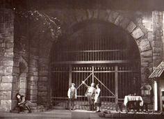 Data și locul: 14 Mai 2017, ora 18:30, la Opera Națională București 10 motive pentru care să vezi Fidelio 1. E cea mai bună producție de operă a ONB (regia: Graham Vick). 2. Nu se știe când o mai p…