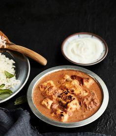 Nepalilaisessa kasvisruuassa leipäjuusto saa kaverikseen kermaisen tomaattikastikkeen.