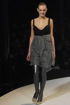Hussein Chalayan Ready-to-Wear Autumn/Winter 2007/08 - Vogue Australia