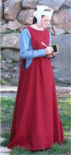 Outfit, Ladies Early Gown & Sideless Surcoat  13th C.