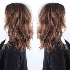 Jolie coupe cheveux long femme - New Hair Styles Medium Hair Styles, Short Hair Styles, Hair Medium, Medium Long Haircuts, Cute Hair Cuts Medium, Soft Curls For Medium Hair, Long Choppy Haircuts, Best Long Haircuts, Braid Styles