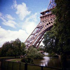 WEBSTA @ kazze69 - #flickr #paris #torreeiffel #eiffel #europe #holga #holgate…