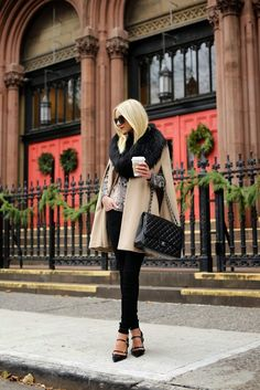 Are you looking for stylish fall outfit 2018 that are excellent for fall? See our collection full of fall fashion outfits Mode Chic, Mode Style, Mode Outfits, Fashion Outfits, Fashion Trends, Fashion Bloggers, Fashion Styles, Fashion Purses, Fashion Ideas
