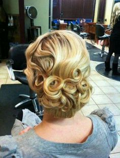 Great Gatsby inspired up do