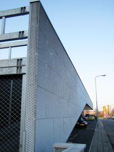 Arquitectura contemporánea, soluciones para revestimiento de exteriores utilizando paneles de metal expandido RAU, disponibles en América Latina