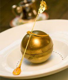Sphère déstructurée chocolat, café amaretto façon café brûlot