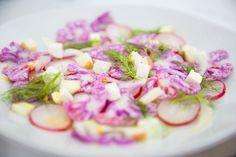 Salada de couve-flor roxa Vegetables, Food, Design, Hello Spring, Cauliflower Salad, Purple Flowers, Salads, Veggies, Essen
