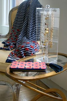 Love this fun jewelry display using our Acrylic Necklace Keeper!  | MomTrends