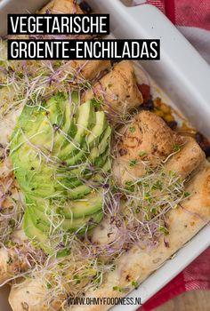 Enchilada's worden vaak gemaakt met kip of gehakt, maar vegetarische groente-enchiladas zijn minstens net zo lekker. Je maakt ze heel makkelijk uit de oven. Groente Enchiladas, Seaweed Salad, Healthy Recipes, Healthy Food, Veggies, Net, Ethnic Recipes, Inspiration, Vegetarian Wraps