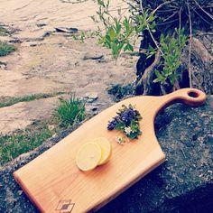 #joy #holzwoodbynicuim #holzdesign #holzwood #schneiderbrett #design #holz #food #cutting #cuttingboard Instagram Images, Instagram Posts, Bamboo Cutting Board, Wood Working, Boards, Woodworking, Wood Crafts, Carpentry, Woodworking Crafts