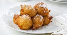 Are you on a low carbohydrate diet and looking for a ketogenic diet recipes? Then try our Low Carb Keto Recipe, A very Simple Low Carb French Beignets Keto Recipe Desserts Espagnols, Spanish Desserts, Dessert Recipes, Keto Foods, Low Carb Bread, Low Carb Keto, Beignets Sans Gluten, French Beignets, Banana Fritters