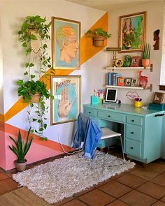 Home Interior Design One of the coolest home offices I've ever seen - Innenarchitektur Schlafzimmer - Aesthetic Room Decor, Interior, Home Decor, House Interior, Apartment Decor, Room Decor, Aesthetic Rooms, Retro Home, Chic Home Decor
