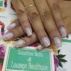 Conócenos, síguenos, compártenos... f/ Sunshine Nails & Lounge Boutique @Diana Leemoon #Uñas #UñasAcrílicas #Nails #StampArt #NailArt #DianaLeemoon