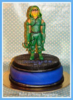 BOLOS DO NOSSO IMAGINÁRIO: Bolo Decorado de Aniversário Green Arrow